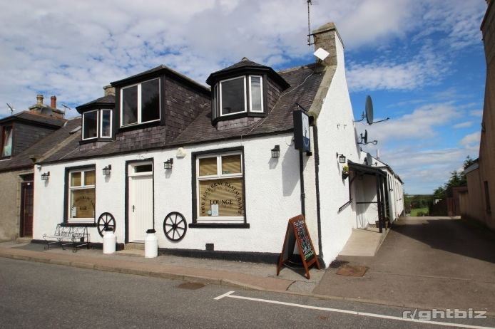 Popular Bar and Restaurant in Aberdeenshire Village - Image 1