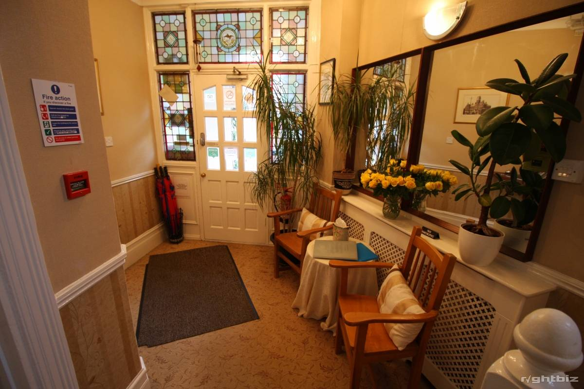 A successful 7-8 bedroom guest house in busy town in Wiltshire. Retirement Sale. - Image 1