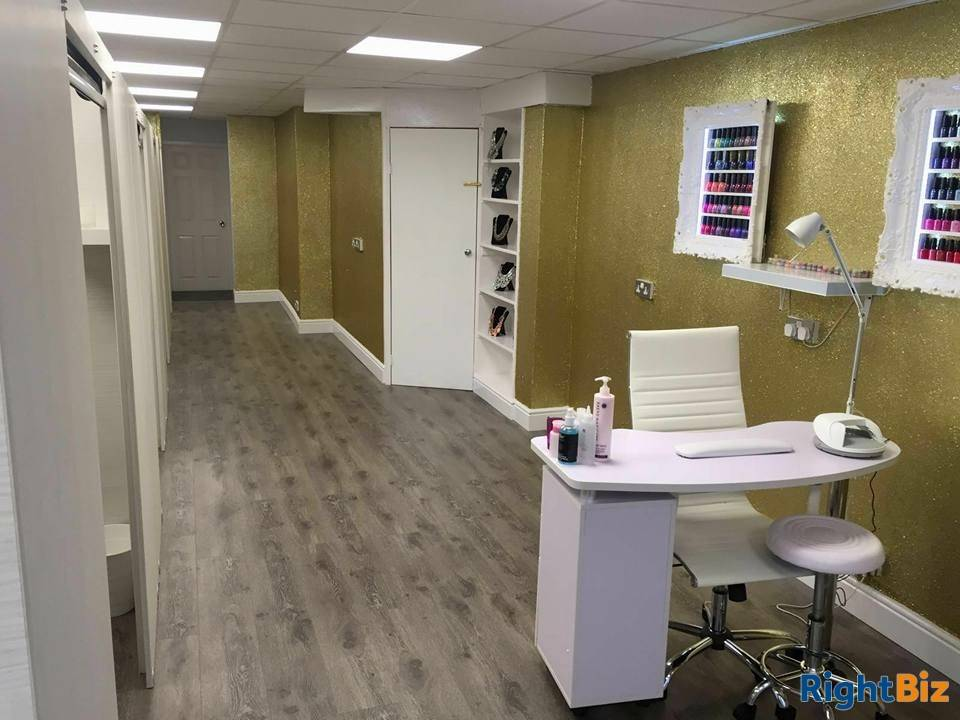 Tanning and beauty salon for sale - Image 1