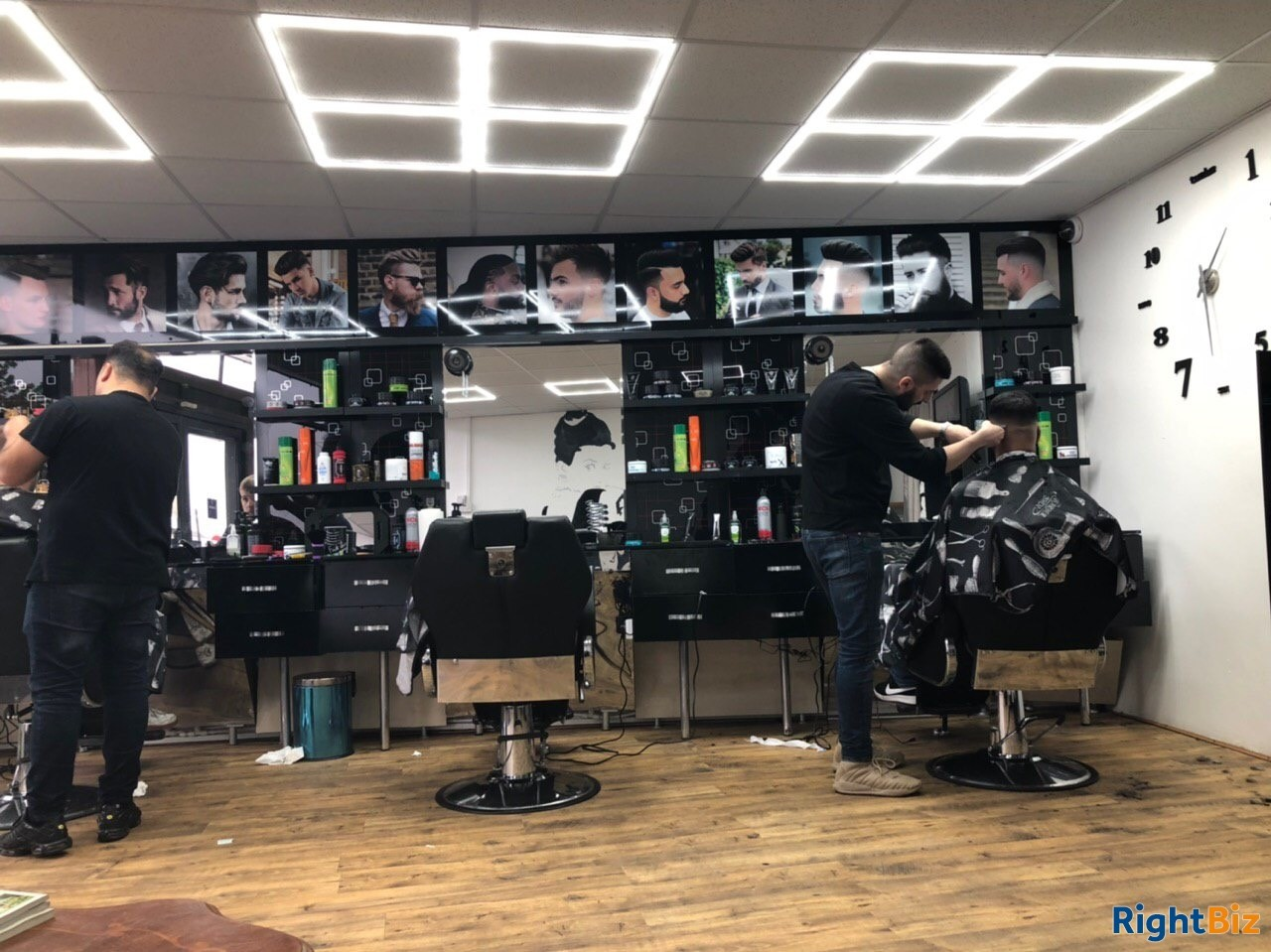 Barber shop with long term lease. Fantastic location - Image 1