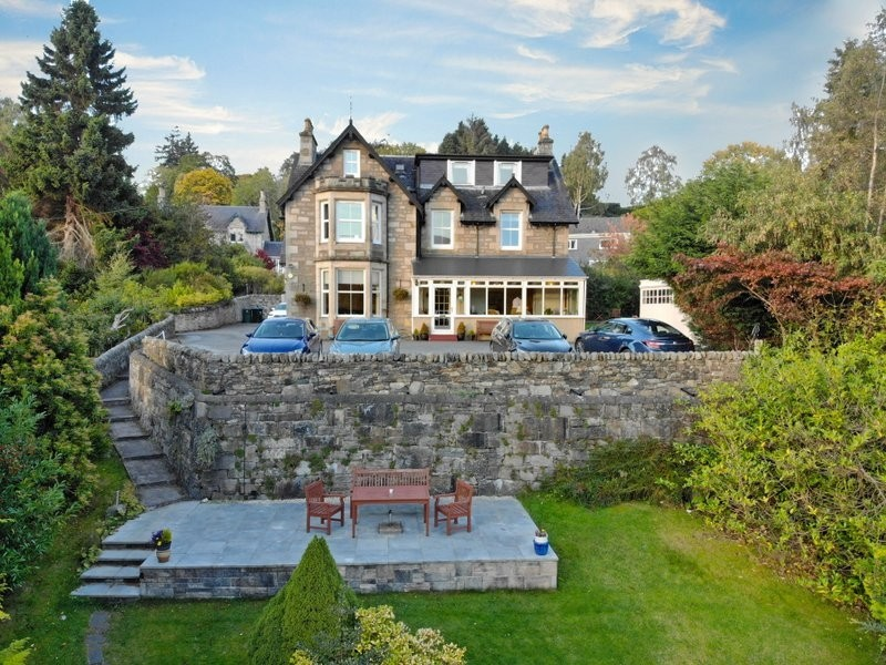 Outstanding 10-Bedroom Hotel Set in Perthshire - Image 1