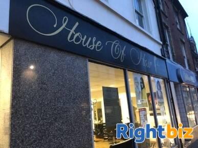 Popular Local Hair Salon in Kent - Image 1