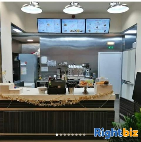 Here Is an Excellent Fully Operational Café/ Restaurant For Sale In Dunfermline, Fife - Image 1