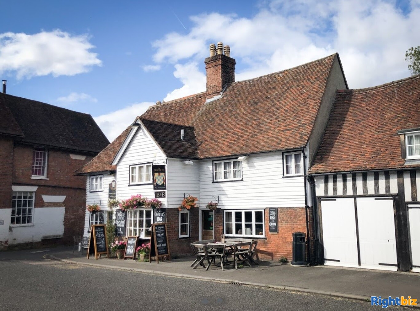 A CHARACTERFUL 14TH CENTURY INN - Image 1