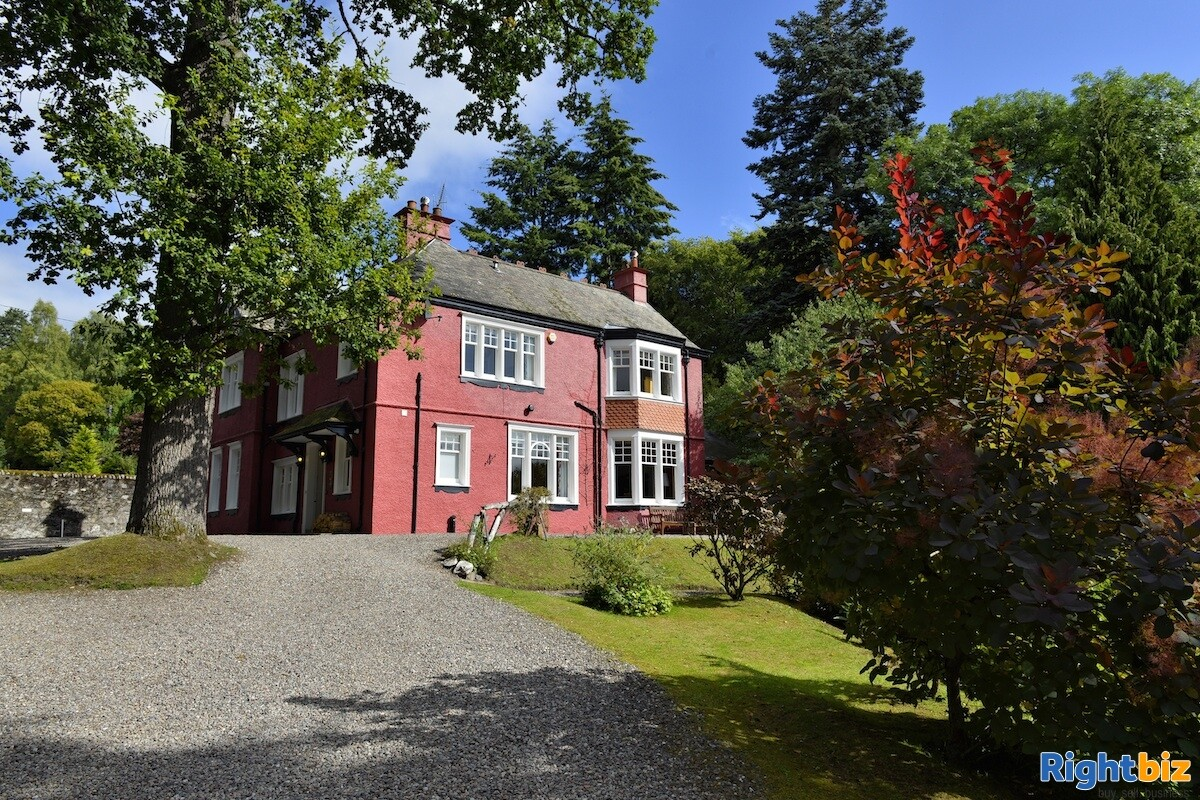 4-star gold bed & breakfast operation that sits peacefully within the picturesque highland town - Image 1
