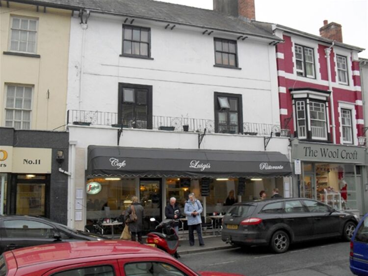 LICENSED CAFÉ/RESTAURANT WITH ACCOMMODATION - Image 1