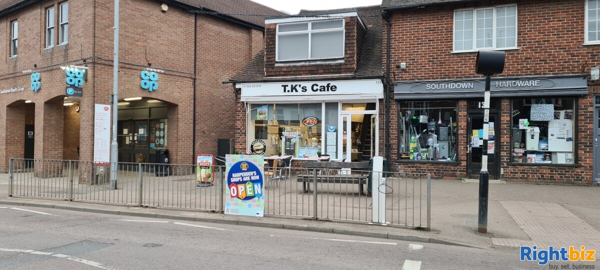 Established community cafe desirable area - Image 1