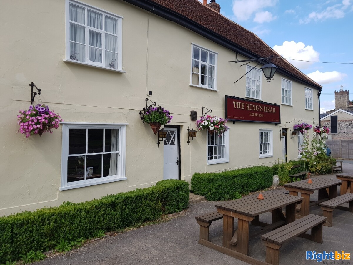 ESSEX - THRIVING VILLAGE LEASEHOLD PUB FOR SALE - Image 1