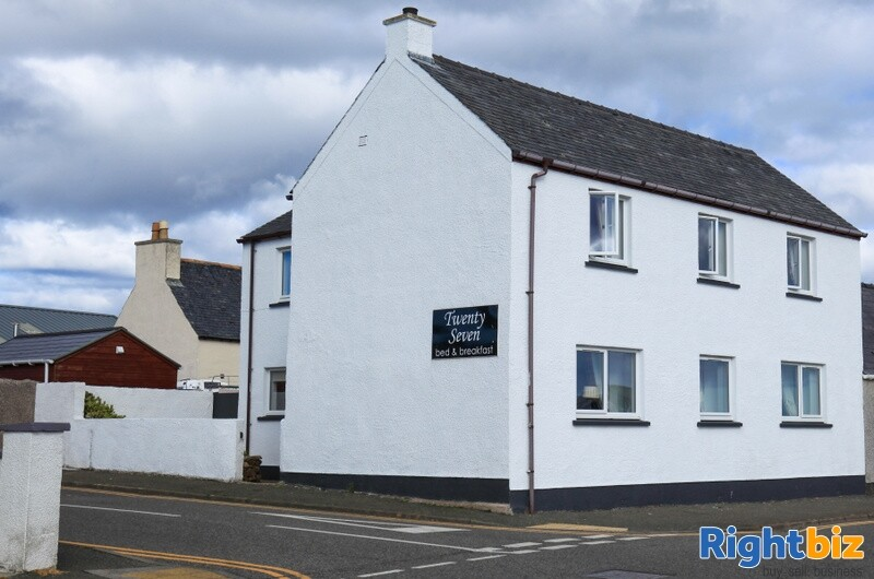 Excellent 6-Bedroom Bed & Breakfast plus Self-Catering Accommodation in Stornoway - Image 1