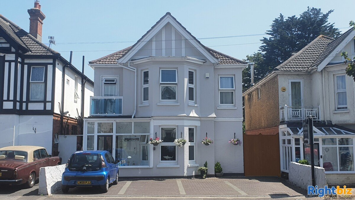 Home & Income B&B in Sought-After Priory Town - Image 1