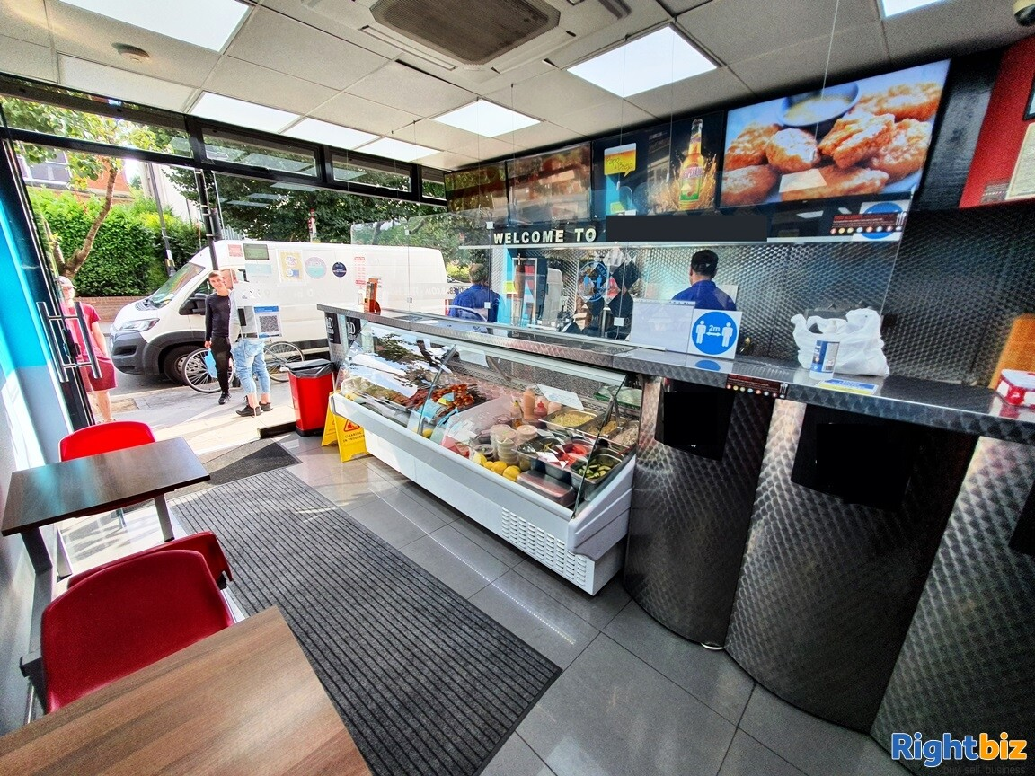 BUSY A5 KEBAB SHOP & TAKEAWAY WITH ALCOHOL LICENCE - TURNOVER £11,000 PER WEEK  - Image 1