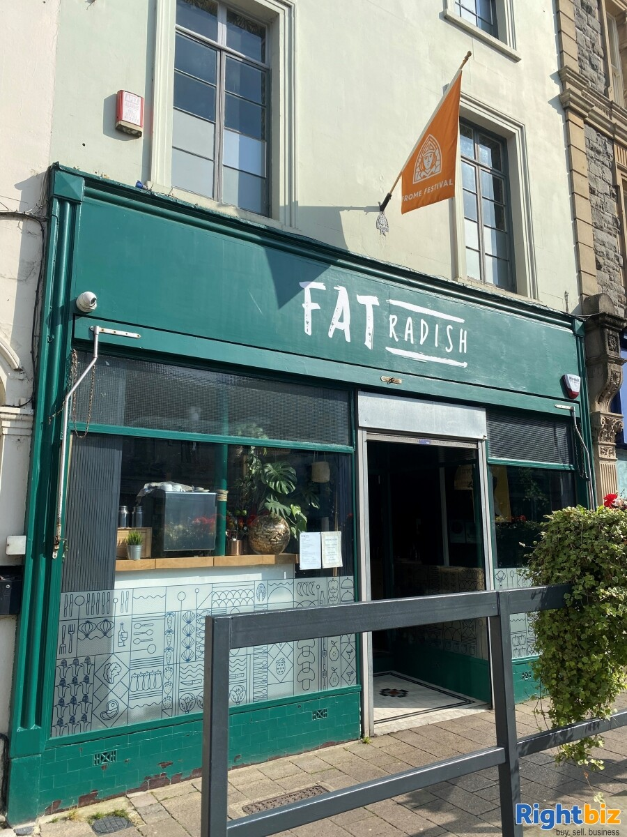 Superbly Presented  Restaurant For Sale in Frome - Image 1