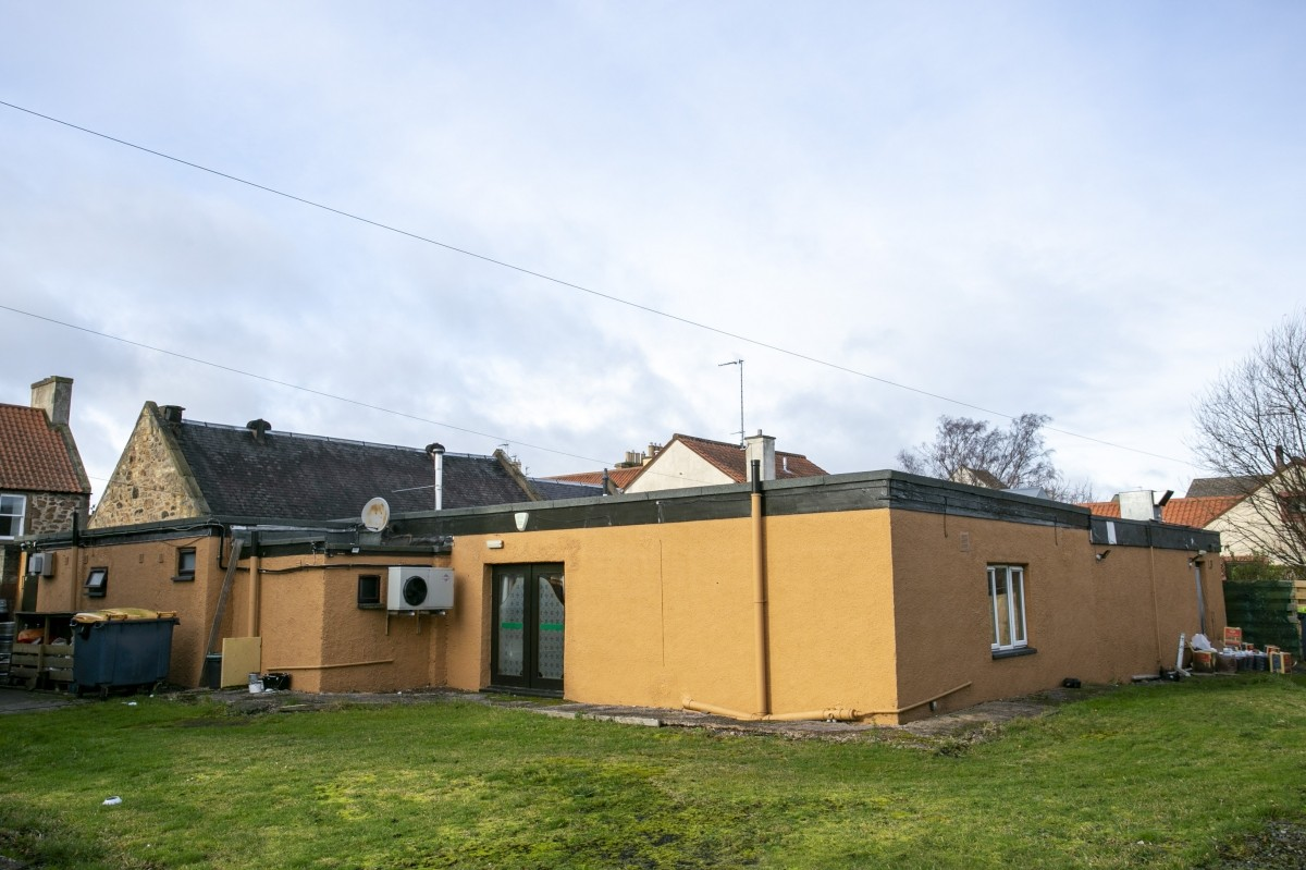 For Sale - Well Presented Small Town Hotel with Bar and Restaurant for Sale, Near to the Golf Coast. - Image 10