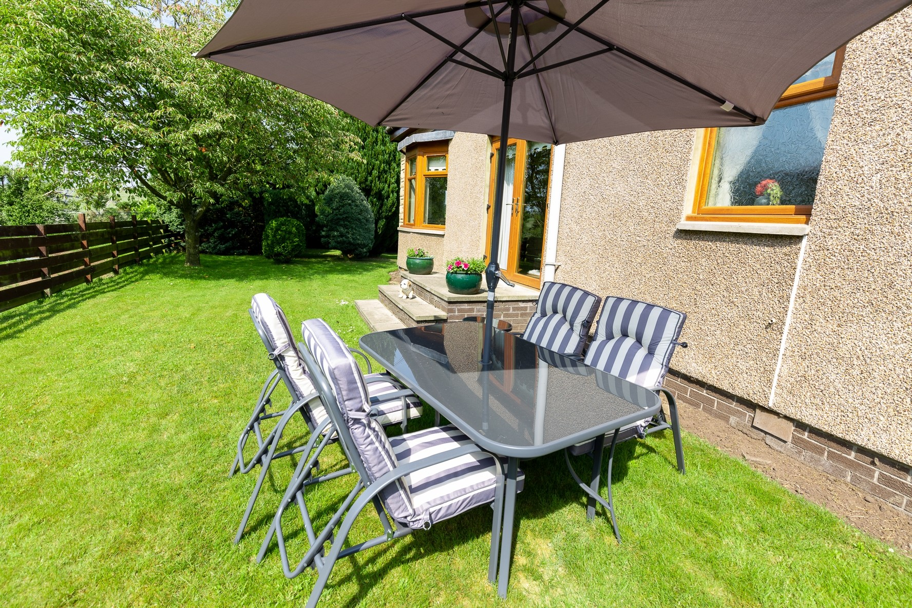 Profitable Boarding Kennels with Superb Family Home in 2.5 acres, Central Scotland - Image 10