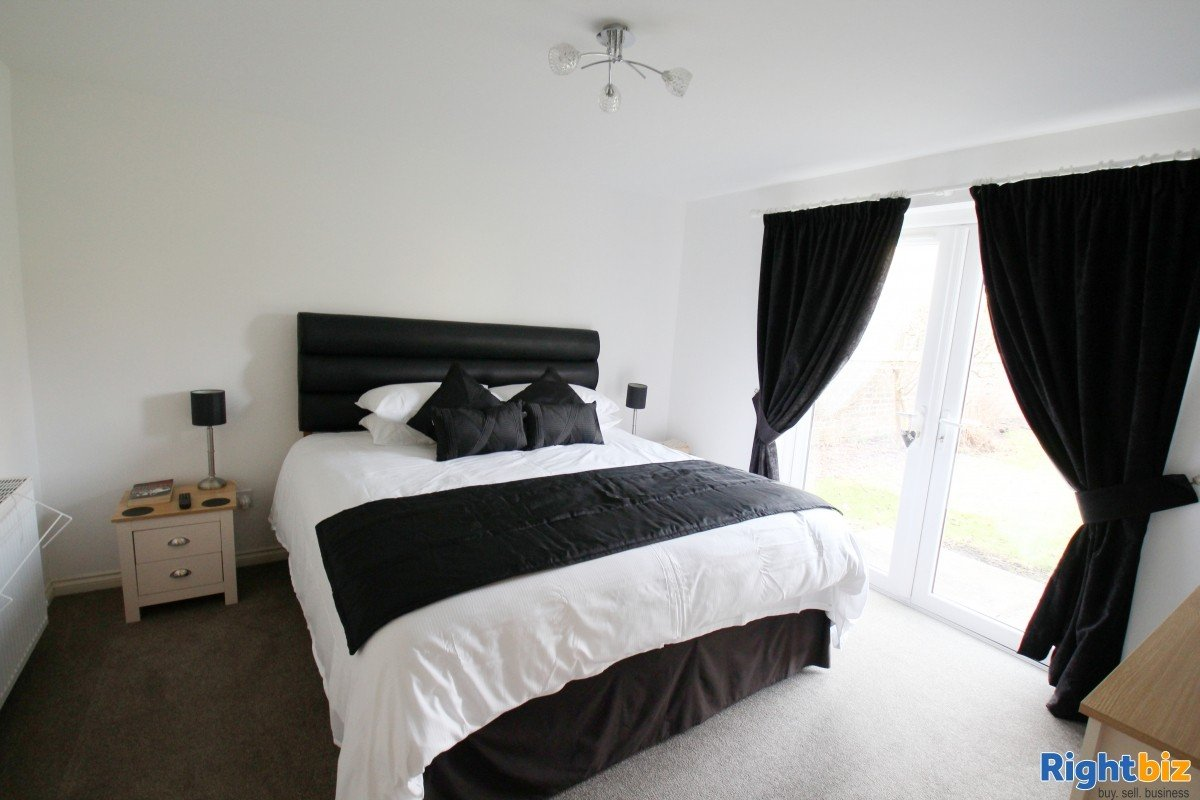 Popular Guest House in the Busy Tourist town of Perth, for Sale - Image 10