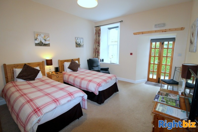 Outstanding 6-Bedroom Guest House near Pitlochry - Image 10