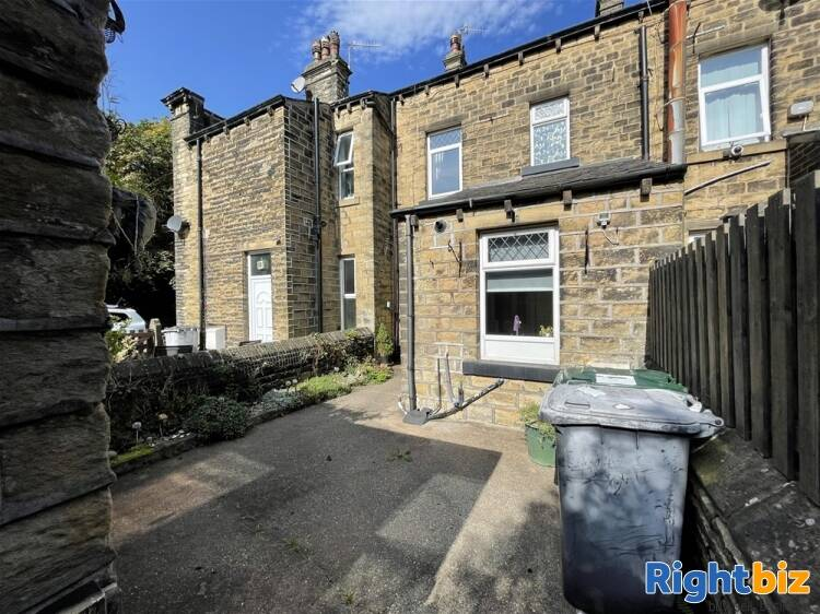 Vacant Unit For Sale in Huddersfield - Image 10