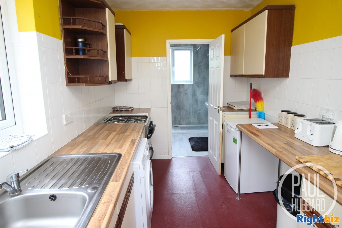 Freehold Fish & Chip Shop with 3 bedroom maisonette for sale in Great Yarmouth, Norfolk. - Image 10