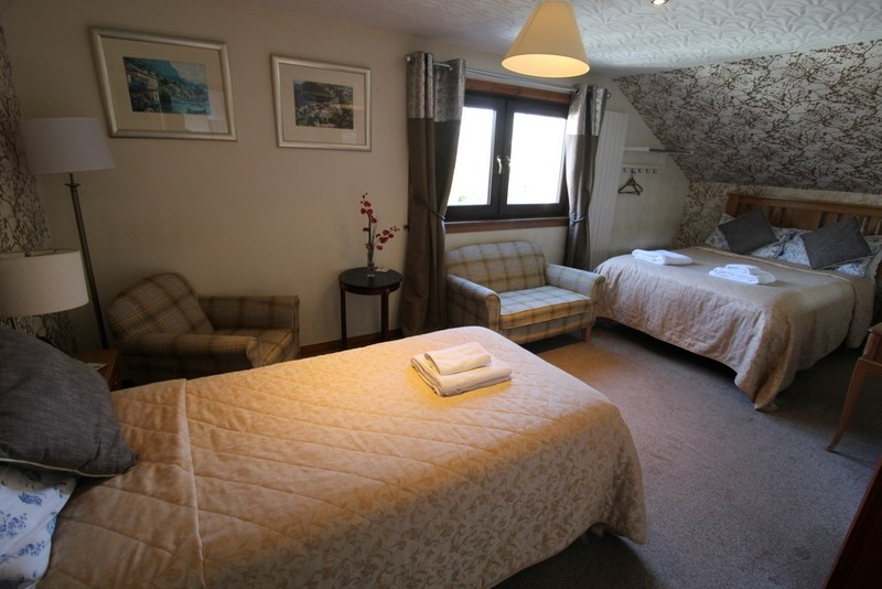 Modern Bed & Breakfast set in the City of Inverness - Image 11
