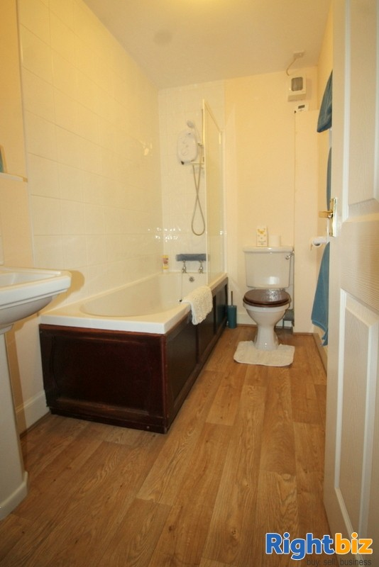 Outstanding 6-Bedroom Guest House near Pitlochry - Image 11
