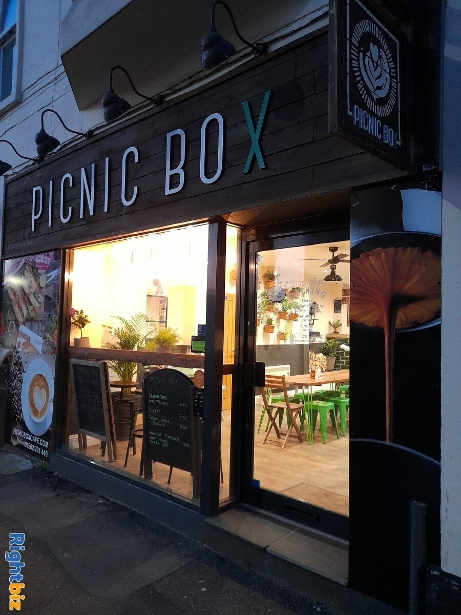 Picnic Box Cafe in Prime location, Next to Uni, Secondary School, New Church in Bournemouth Center - Image 11