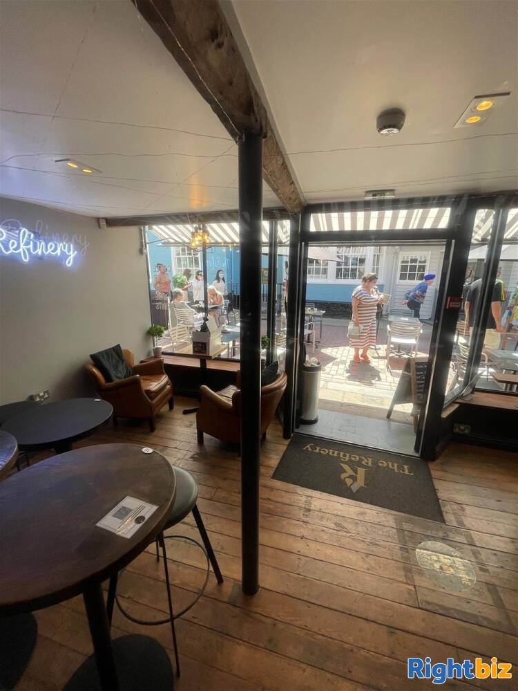 Recently Fitted Café/Bar in Historic and Busy Town Centre Location - Image 11