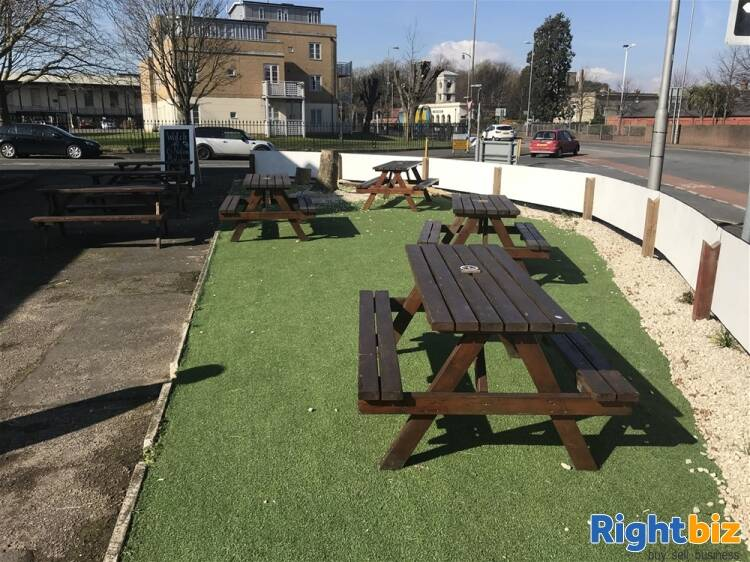 POPULAR PUBLIC HOUSE & FUNCTION VENUE WITH ROOMS IN HAMPSHIRE - Image 12