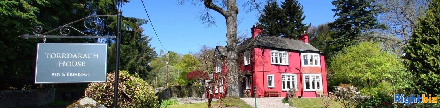 4-star gold bed & breakfast operation that sits peacefully within the picturesque highland town - Image 12