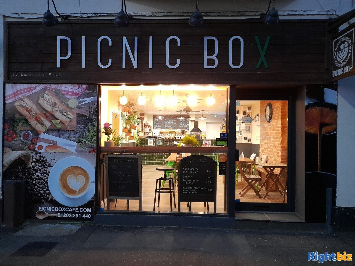 Picnic Box Cafe in Prime location, Next to Uni, Secondary School, New Church in Bournemouth Center - Image 12