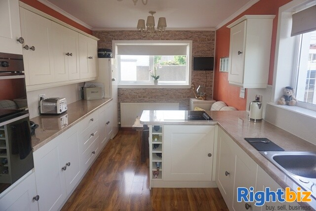 Excellent 6-Bedroom Bed & Breakfast plus Self-Catering Accommodation in Stornoway - Image 12