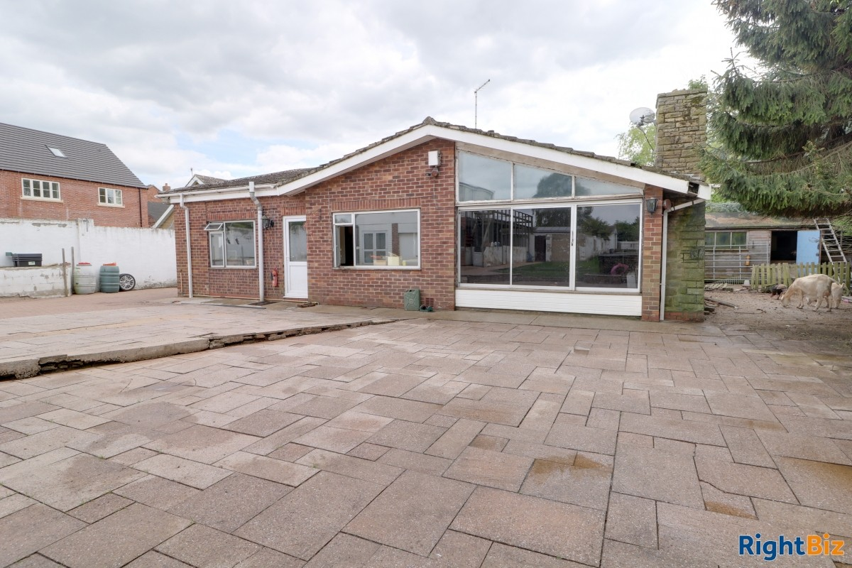 Smallholding in the heart of a village currently used as licensed dog breeder, swimming pool - Image 13