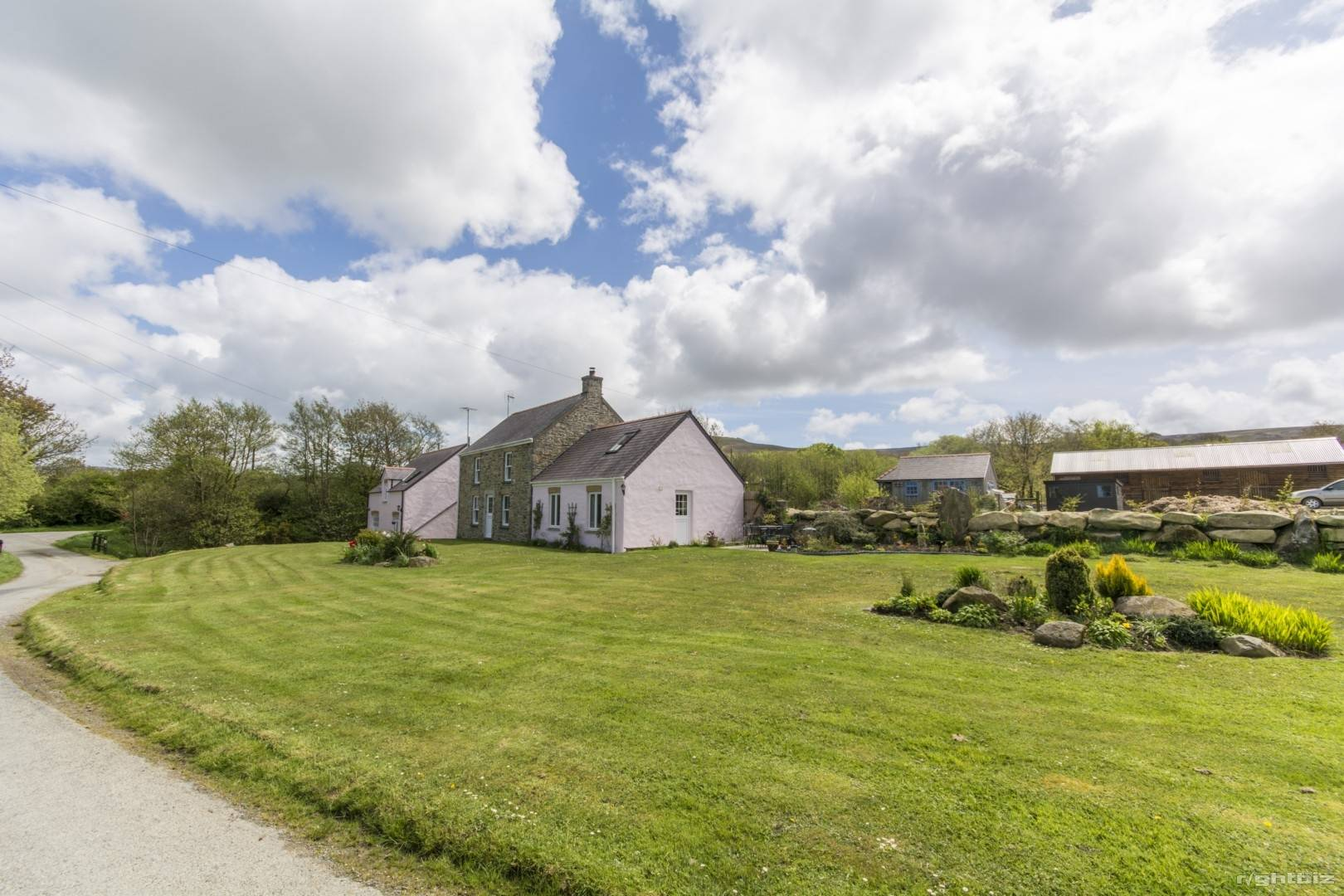 HOLIDAY LETTING BUSINESS/ LIVERY POTENTIAL + SMALLHOLDING + STABLES SET IN 10 ACRES - PEMBROKESHIRE - Image 15