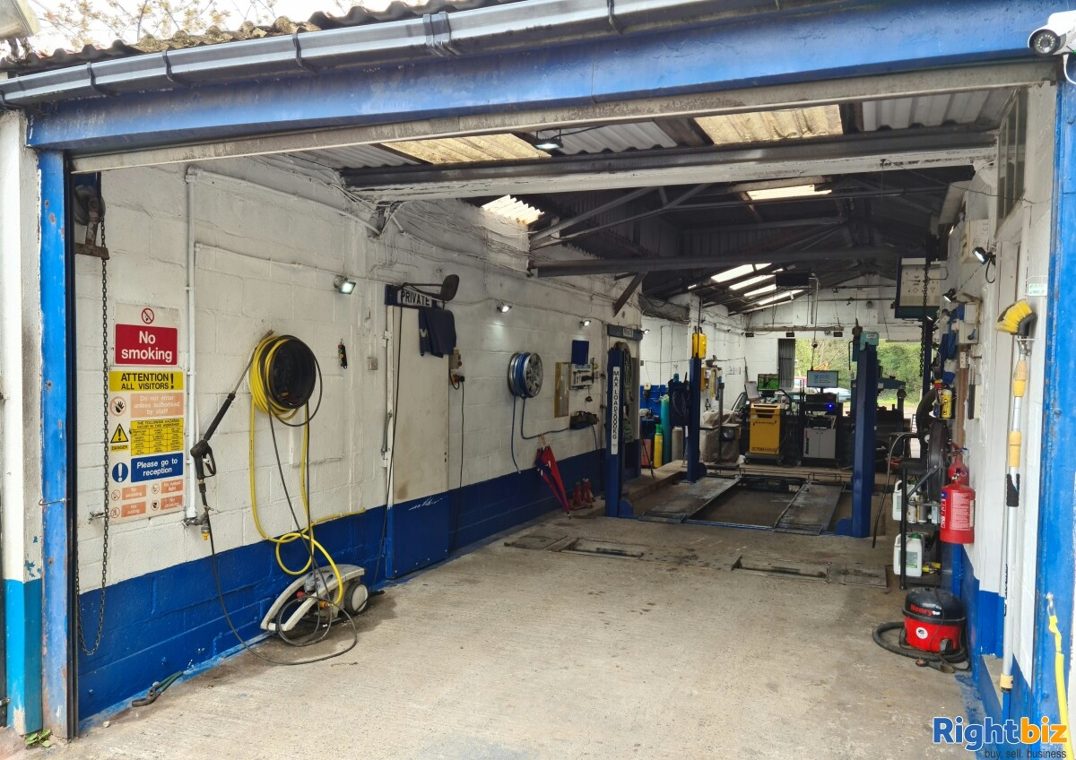 LARGE INDUSTRIAL UNIT & SITE. WITH PLANNING POTENTIAL. GARAGE / MOT CENTRE WITH OWNER ACCOMODATION - Image 15