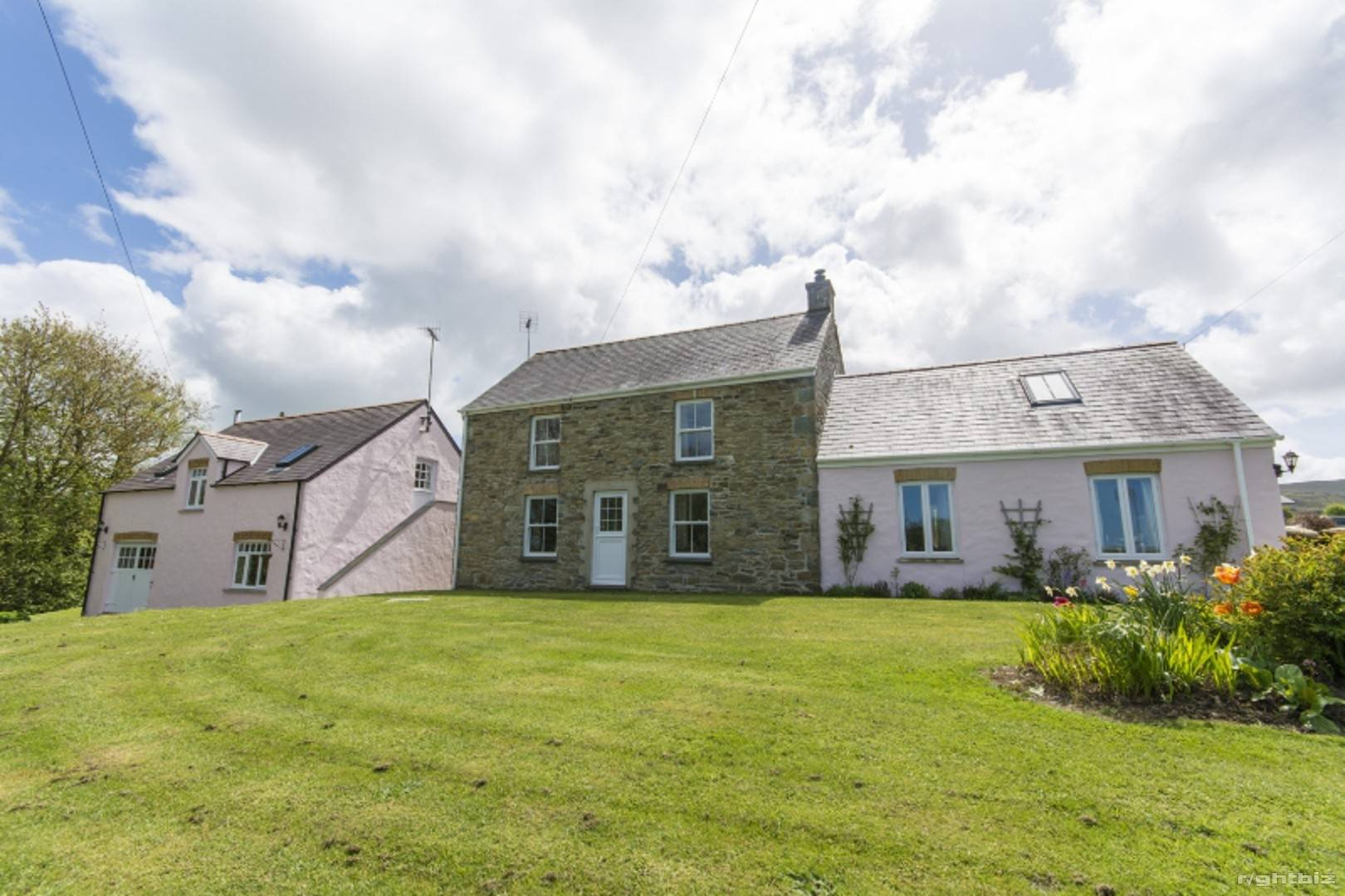 HOLIDAY LETTING BUSINESS/ LIVERY POTENTIAL + SMALLHOLDING + STABLES SET IN 10 ACRES - PEMBROKESHIRE - Image 2