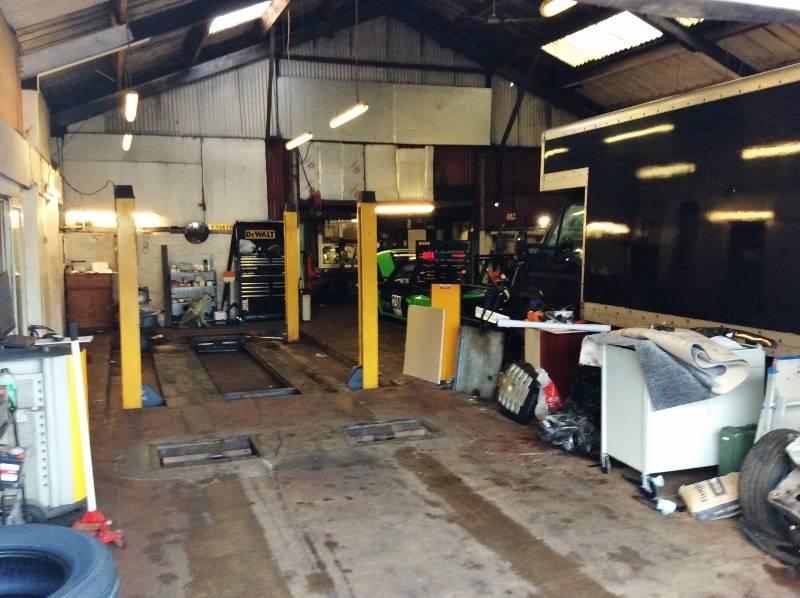 Well Known Class 4 MOT Garage - Image 2