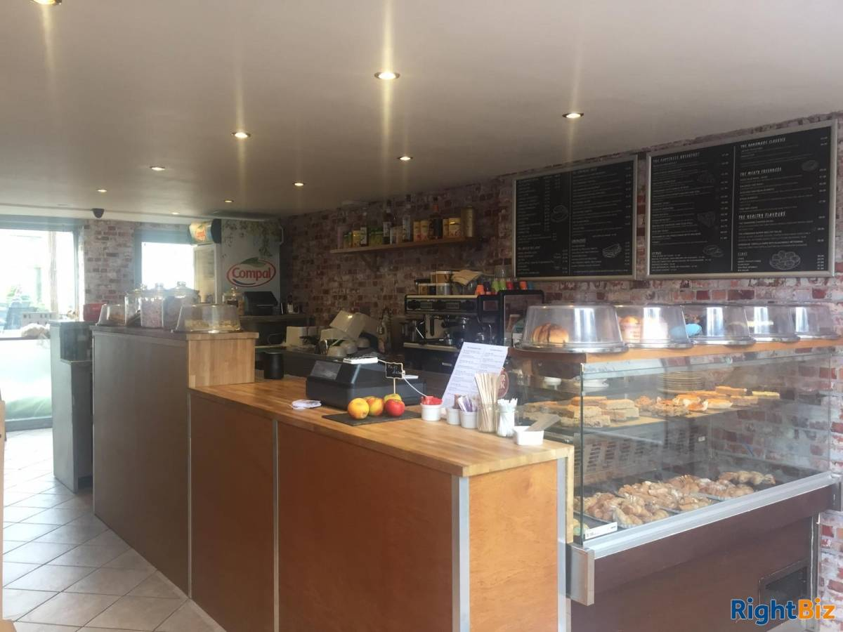Beautiful Coffee Shop/Restaurant for Sale in South West London - Image 2