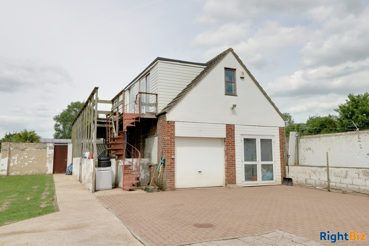 Smallholding in the heart of a village currently used as licensed dog breeder, swimming pool - Image 2