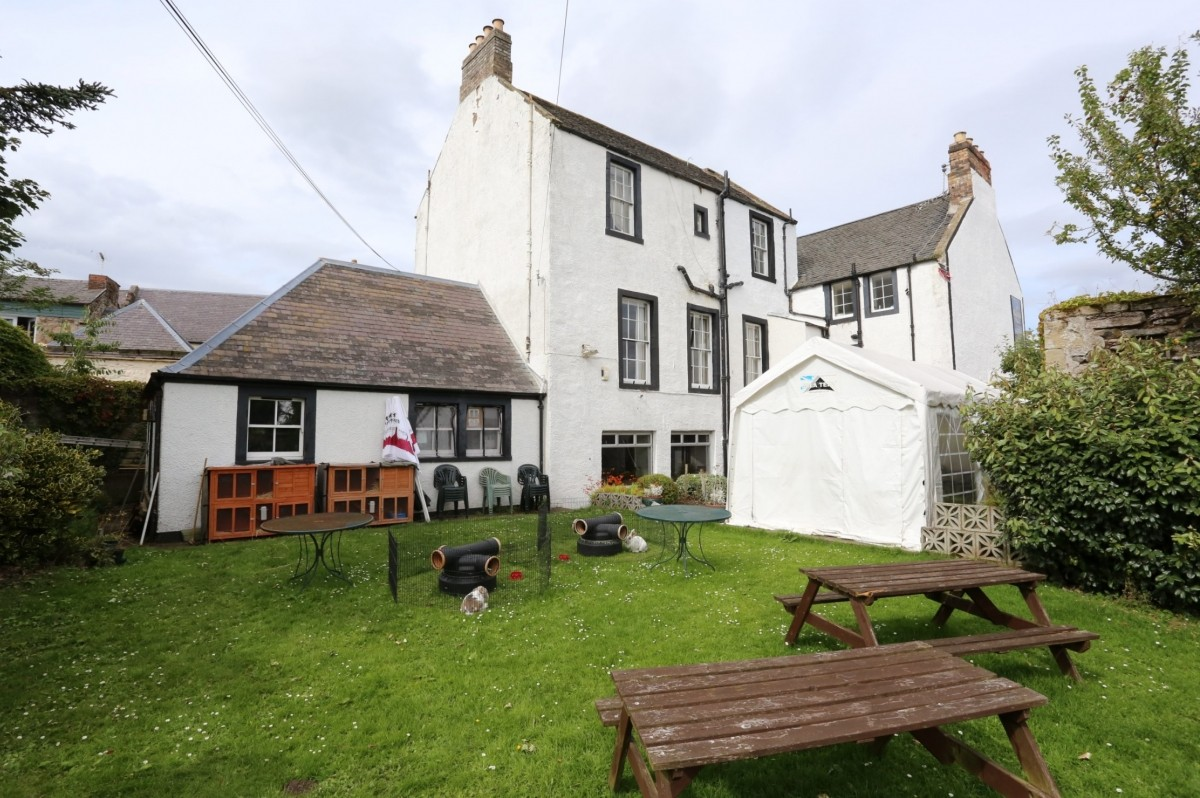 For Sale - Well Presented Small Town Hotel With Restaurant and Function Suite - Image 2