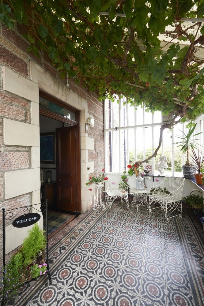 Stunning 5-Star Guest House with Separate Owner/Letting Accommodation in Inverness - Image 2