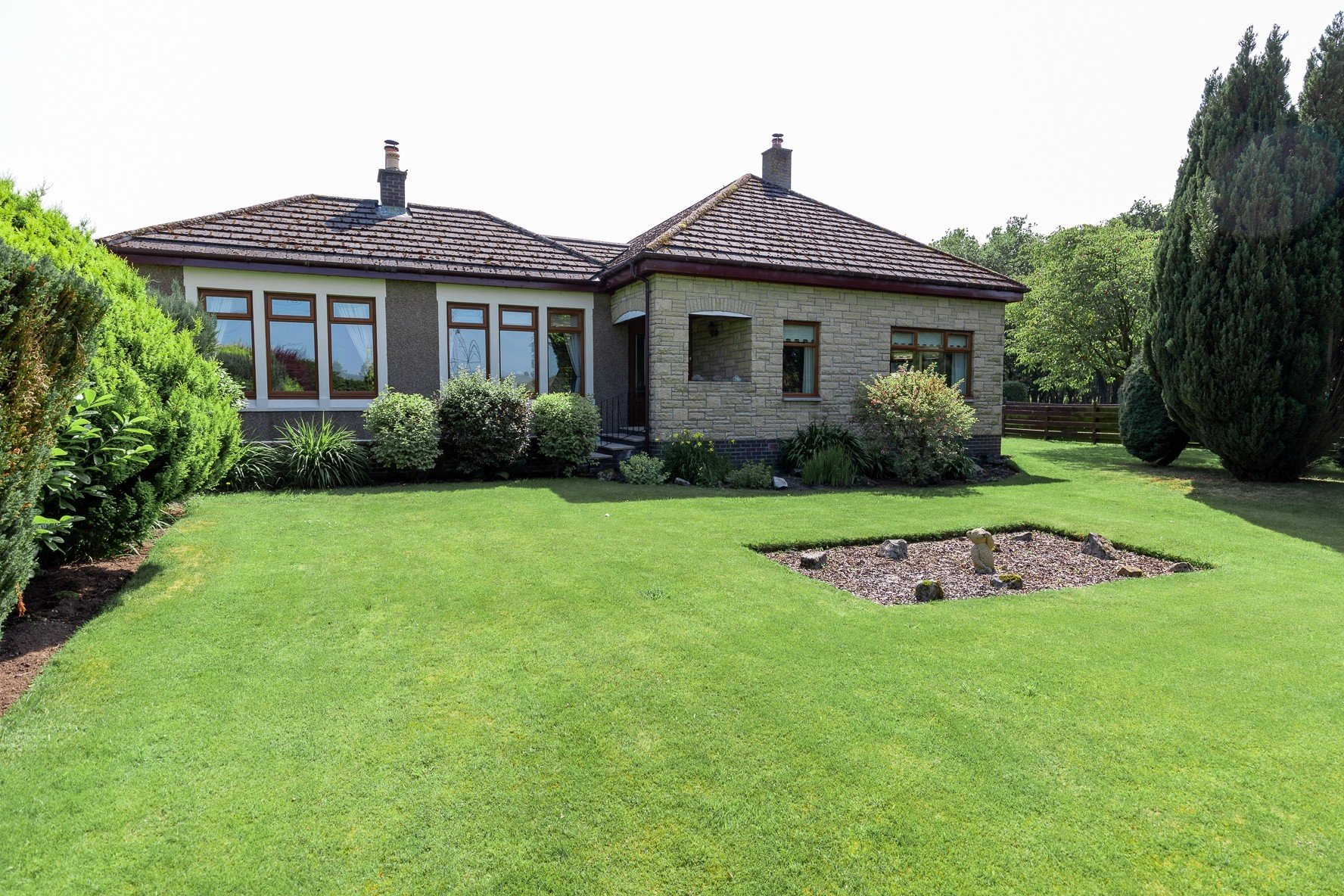 Profitable Boarding Kennels with Superb Family Home in 2.5 acres, Central Scotland - Image 2