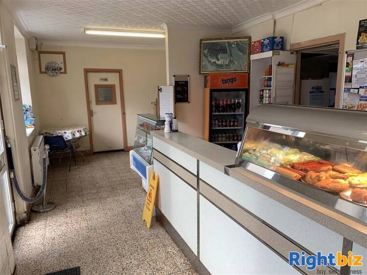 FREEHOLD VILLAGE FISH BAR WITH FAMILY HOME NEAR ABERDARE - Image 2