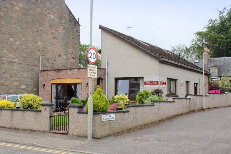 Modern Bed & Breakfast set in the City of Inverness - Image 2