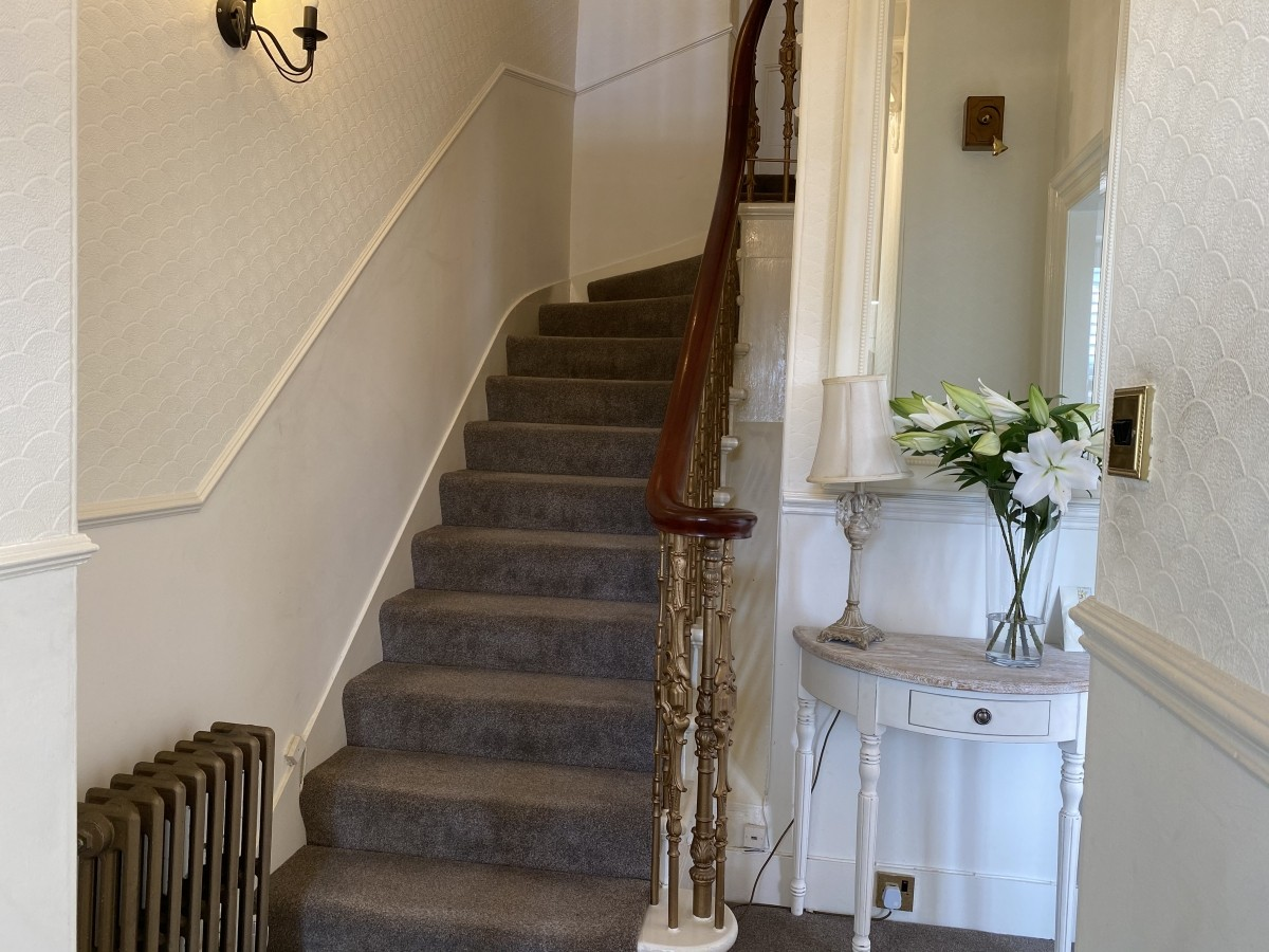 Guest House in the heart of Banchory with Airbnb Opportunity - Image 2