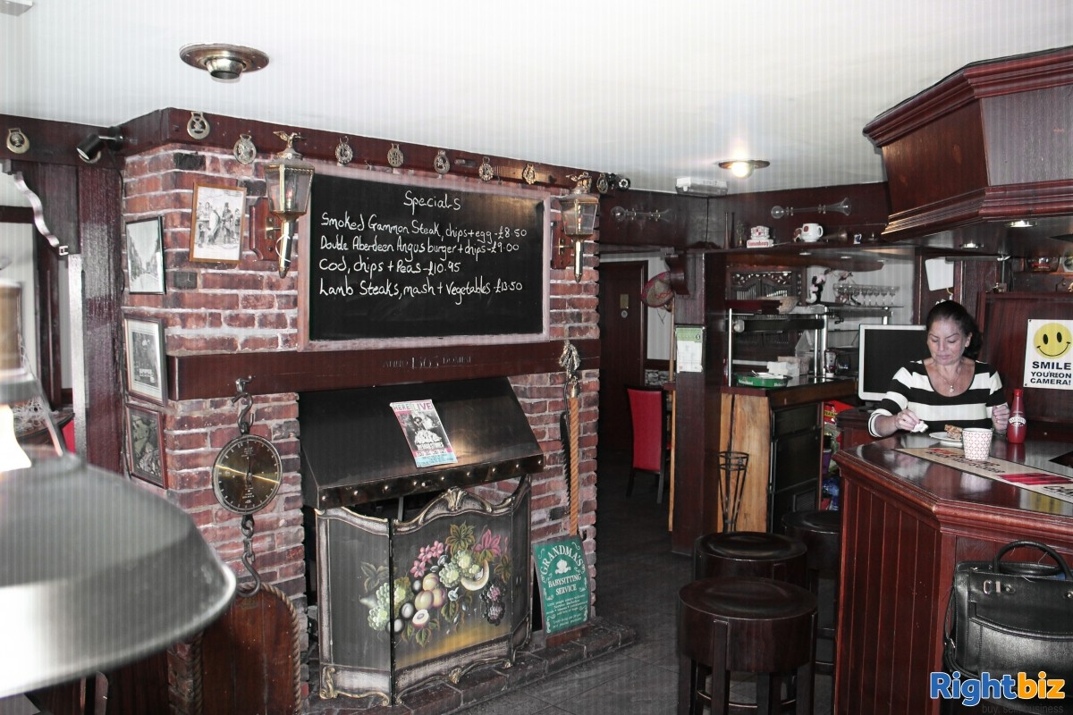 Freehold pub with large accommodation and outside space in Yalding Kent - Image 2