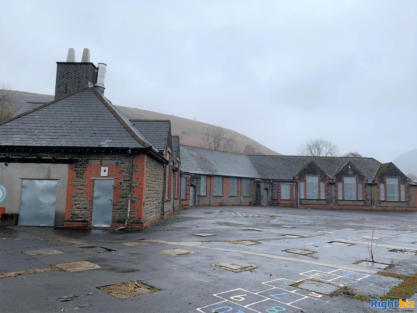 FORMER JUNIOR SCHOOL (CLASS D1 PP) ON A SITE OF AROUND 0.75 ACRES WITH REDEVELOPMENT POTENTIAL - Image 2