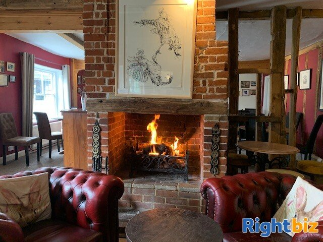 ESSEX - THRIVING VILLAGE LEASEHOLD PUB FOR SALE - Image 2