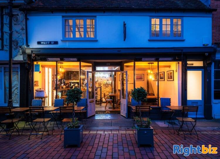 Recently Fitted Café/Bar in Historic and Busy Town Centre Location - Image 2