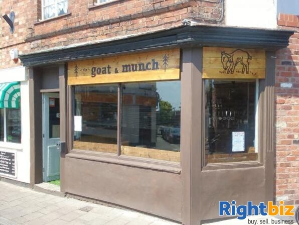 INVESTMENT PROPERTY WITH GROUND FLOOR PUB/BAR AND FIRST FLOOR FLAT - CHESTER FOR SALE - Image 2