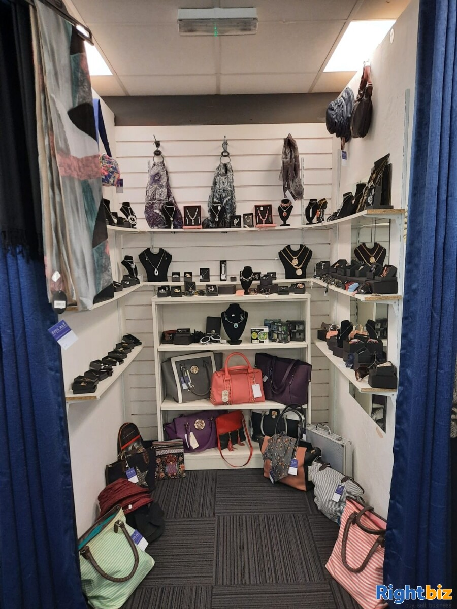 Leasehold clothes shop for sale Winsford Cheshire - Image 2