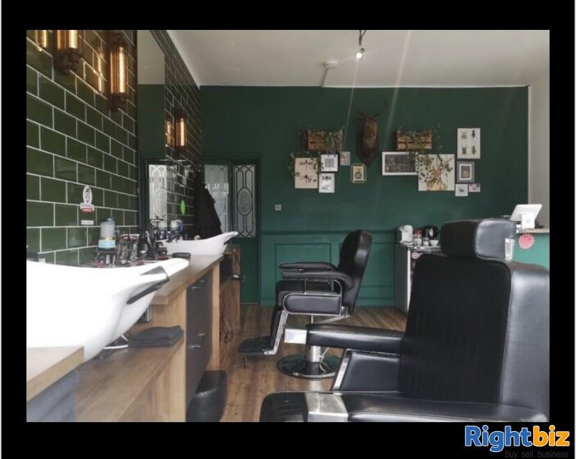 Excellent two-seat barbershop in Blackburn - Image 2